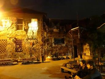 Metelkova, une vieille caserne millitaire transformée en lieu culturel libre