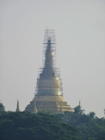Stupa en construction